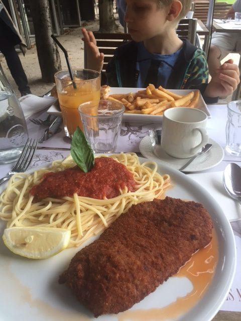 Café-Les-Marronniers Obsession-Luxe_Plaisir-de-la-Vie_7